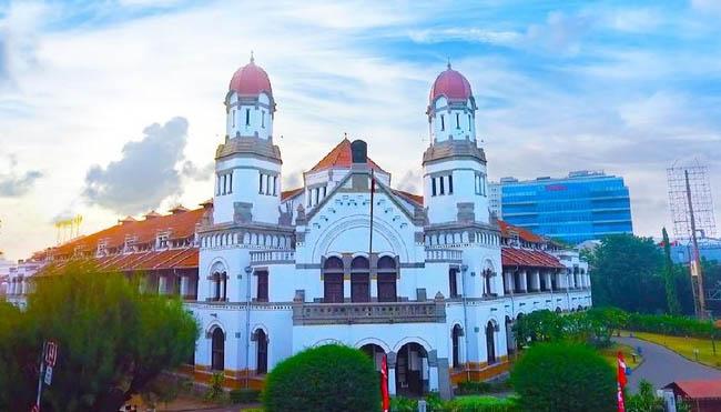 Berwisata ke Tempat Sejarah di Semarang